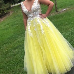 Jovani yellow and white prom or homecoming dress